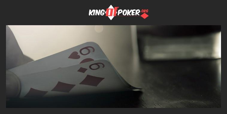 Jouer une paire moyenne au poker
